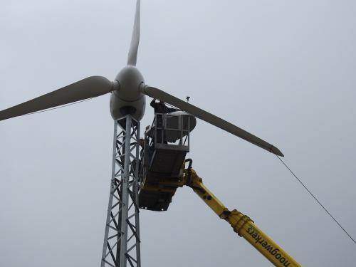 De turbine staat er op.